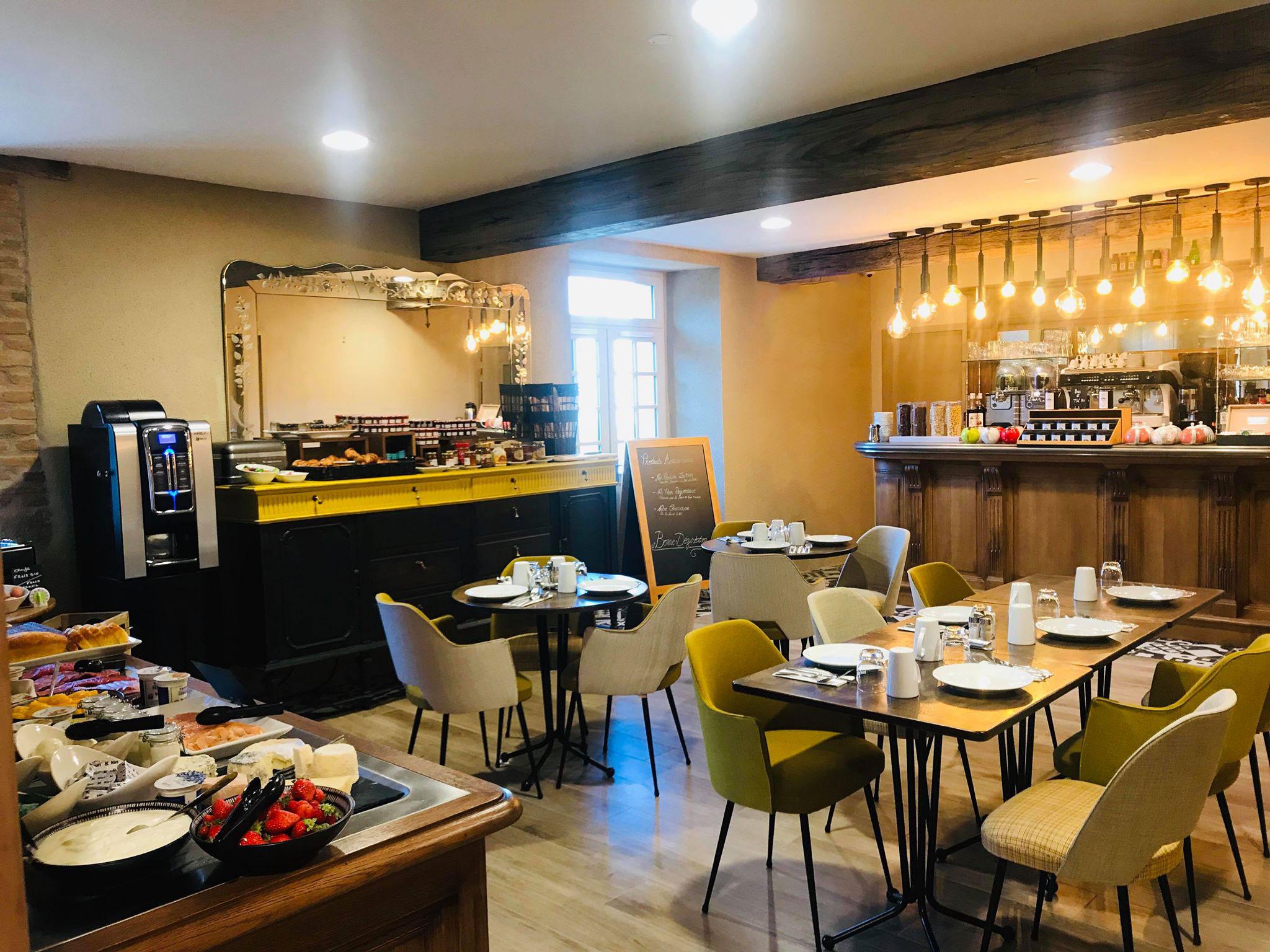 Salle de petit-déjeuner du Prieuré de Boulogne